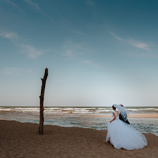 Wedding photographer Miroslava Velikova (studioMirela). Photo of 05.12.2018