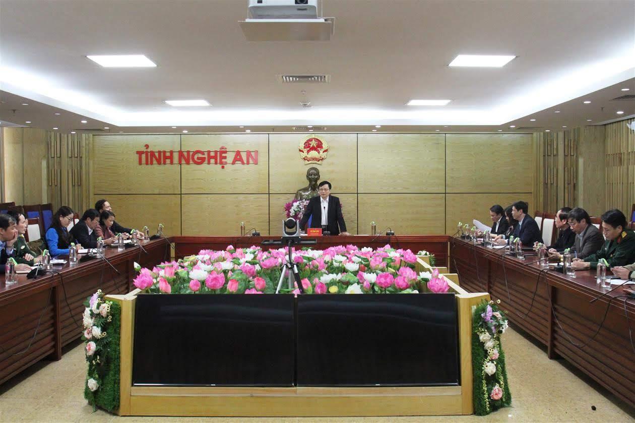 Nghệ An chủ động triển khai các biện pháp phòng, chống dịch nCoV (Trong ảnh: UBND tỉnh tổ chức họp khẩn bàn về các giải pháp phòng, chống dịch nCoV)