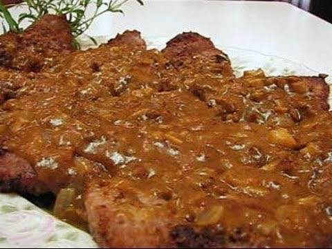 Slow Cooked Steak With Red Wine Gravy