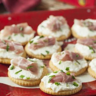 Whipped Ricotta Prosciutto Cracker Bites Recipe