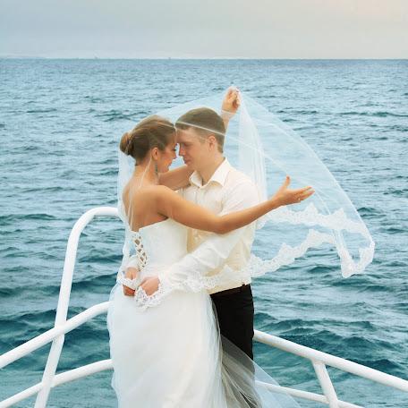 Wedding photographer Leonora Yanchenko (LeonoraYanchenk). Photo of 12.10.2015