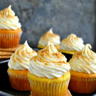 The Best Cheesecake Cupcakes