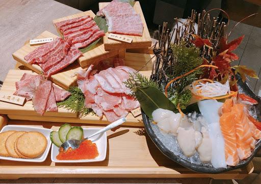 雙人海陸饗宴超棒 可以吃到A5和牛、多汁美味 用餐環境很好
