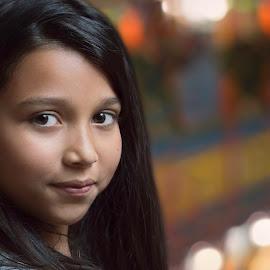 The Glances of a Little Girl by Andrius La Rotta Esquivel - Babies & Children Child Portraits ( children, portraits, portrait photographers, colorfull, portrait and people, artistic, photographer, girl, photography, colombia )