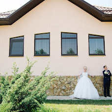 Wedding photographer Olya Valieva (panda). Photo of 15.08.2017