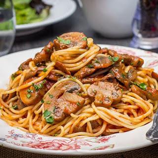 Spaghetti With Mushroom Tomato Pasta Sauce.