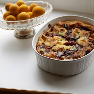 Thanksgiving + Nutella Bread Pudding with Dates Recipe