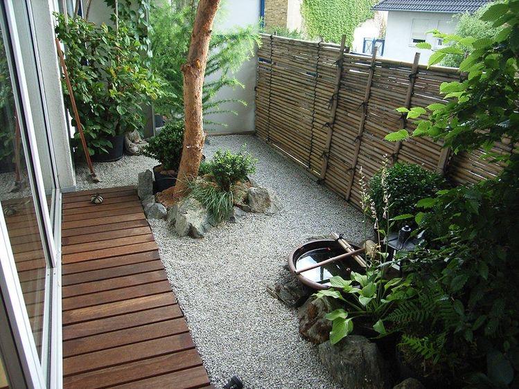 2. สวนหินกับไม้