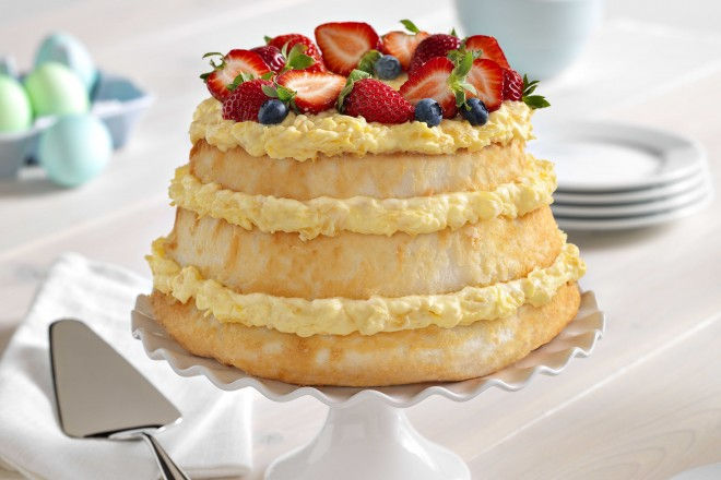 Stunning Naked Cakes for Summer Showers & Parties - Angel Lush with Pineapple