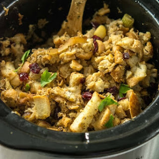 Slow Cooker Caramelized Apple Stuffing