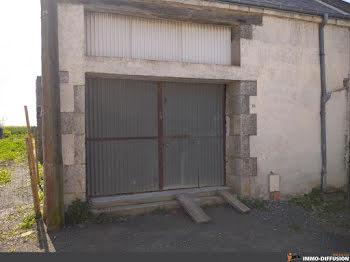 parking à Ouzouer-le-Marché (41)