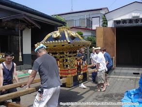 Photo: 【平成16年(2004) 宵々宮】 1年振りに陽の光を浴びる神輿。