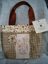 Photo: Springberries bag, realizzata con stitchery free di Cinderberry stitches