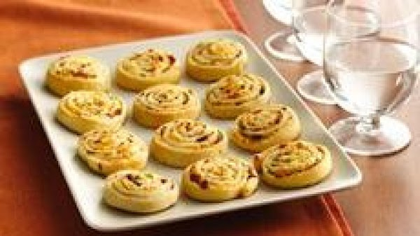 Bacon Cheddar Pinwheels Recipe