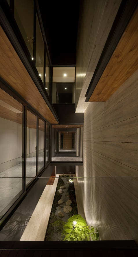 Travertine Dream House - Wallflower Architecture + Design