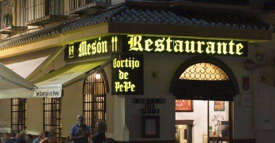 Tapear en Málaga en El Cortijo de Pepe