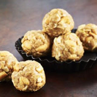 Crunchy Peanut Butter Snack Bites With Chia