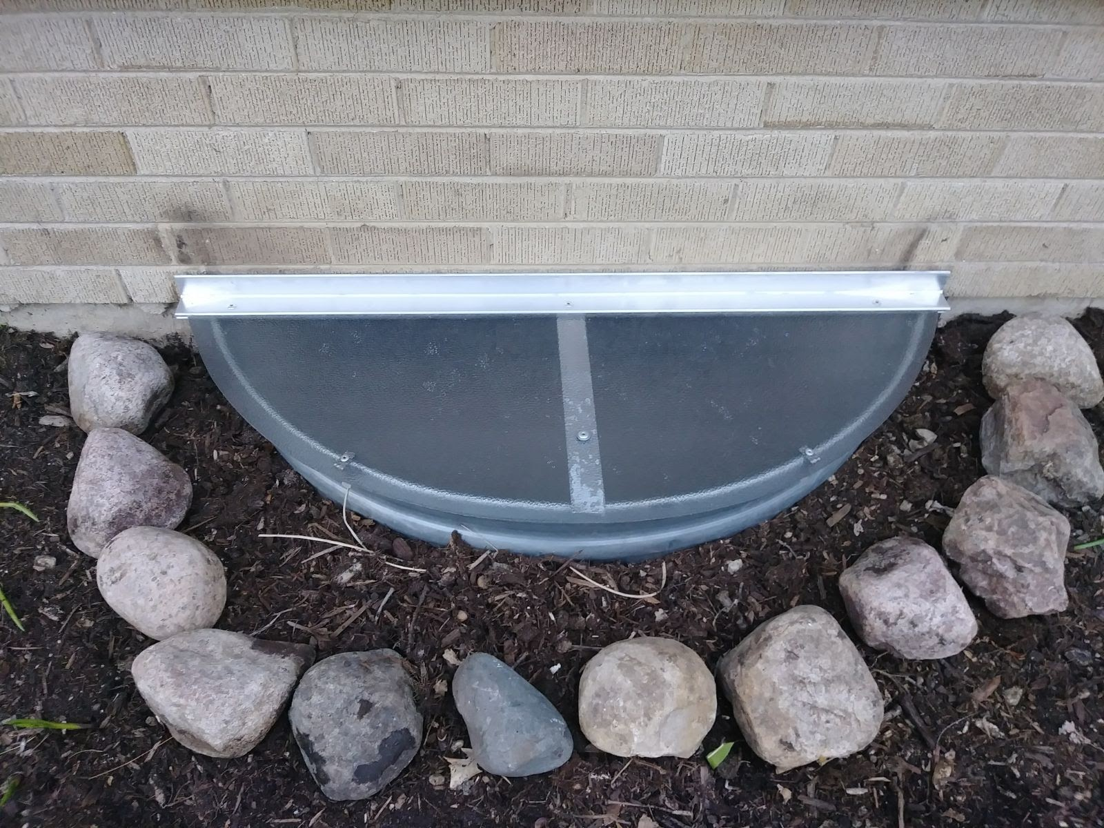 Norridge, IL-HandyManny Custom Window Well Covers