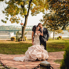 Wedding photographer Gábor Badics (badics). Photo of 22.11.2017