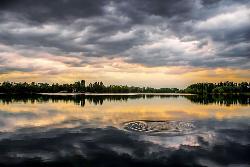 sky reflections di Rickytre