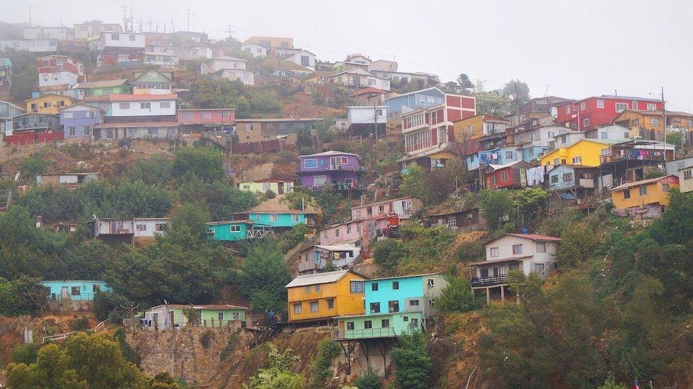 -valparaiso-houses-chile-wood.jpg