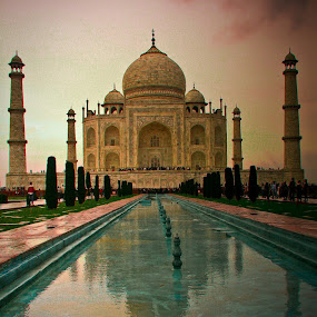 Taj Mahal by Leire Unzueta - Buildings & Architecture Statues & Monuments ( love, fountain, taj mahal, india )