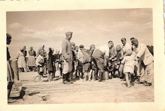 Photo: 9-6-40 Milec. Polish children waiting in line for food