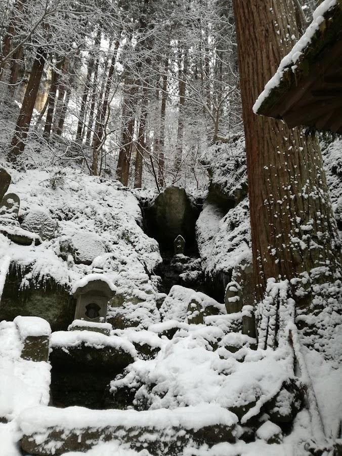 Small statues inHoju-san Risshaku-ji, Yamadera.