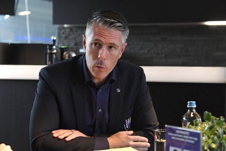 """Michael Verschueren comprend la colère des supporters et lance le Clasico : """"J'attends absolument une réaction de l'équipe"""""""