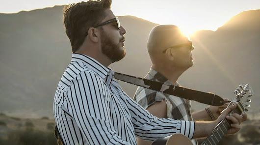 El cantautor almeriense JJ Fuentes y Cifu, de Celtas Cortos, estrenan 'Orgánico'