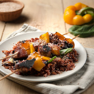 Tamarind Chicken & Yellow Pepper Kebabs With Red Rice