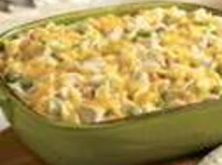 Simple Chicken, Peas, and Noodles Casserole Recipe