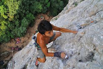 "Photo: Climbing ""Artemis (6b+ / 5.11a)""  這是條耐力型的5.11,好點平均分佈 有很多口袋點 只要善加休息分配體力即可完攀  安代推薦的好路線"