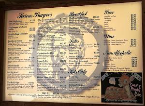 Photo: Fernburgerin ruokalistaa - tarjolla myös paljon muita vaihtoehtoja kuin nauta ja kana - esimerkiksi lammasta ja bambia