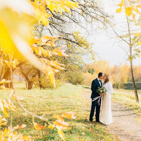 Wedding photographer Irina Seliverstova (waterlillly). Photo of 15.10.2017