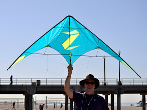 Photo: Dave holds up this eye-searing ZeroStar by Paul Shirey of AeroStar kites.