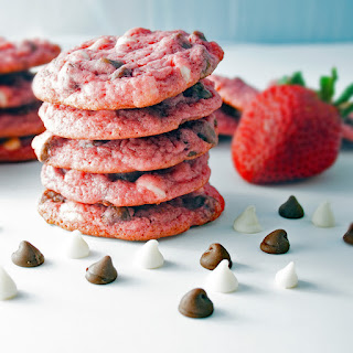 Super Strawberry White and Dark Chocolate Chip Cookies