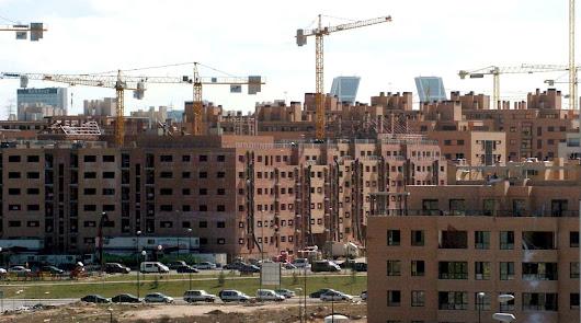 La Junta pone a la venta 200 solares para viviendas e industrias