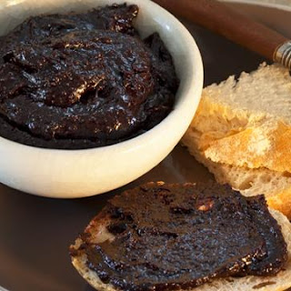 Wicked Chocolate And Macadamia Spread