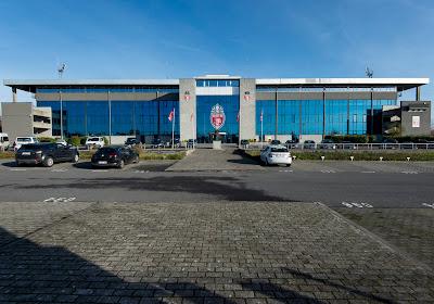 Moeskroen weldra in buitenlandse handen? 'Ex-club Hazard wil Moeskroen kopen'