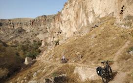 Живописный участок долины Ихлара