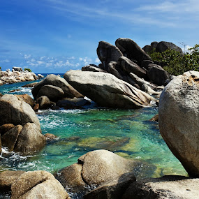 Rock Solid by Joni Irwanto - Landscapes Waterscapes ( indonesia, landscape, belitung )