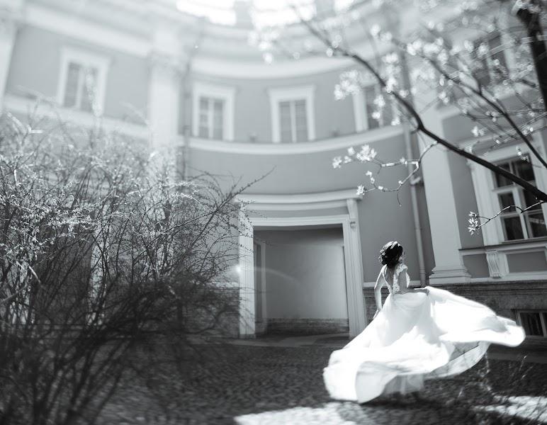 Wedding photographer Nazar Voyushin (NazarVoyushin). Photo of 19.09.2017