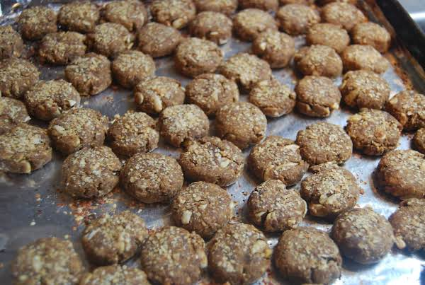Peanutbutter Oat-n-sunflower Doggie Cookies