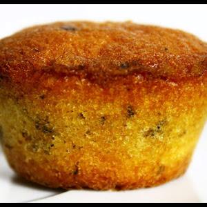 Muffins with Dark and White Chocolate Chunks