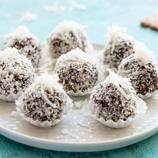 No Bake Chocolate Biscuit Balls Recipe