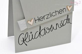 Photo: http://bettys-crafts.blogspot.com/2015/08/herzlichen-gluckwunsch-die-funfte.html