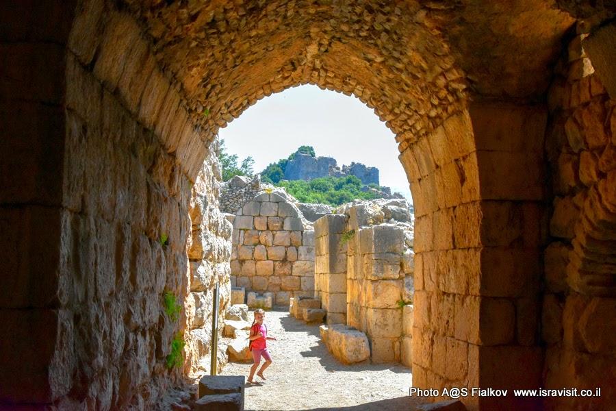 Путешествия по Израилю. Руины крепости Нимрод.