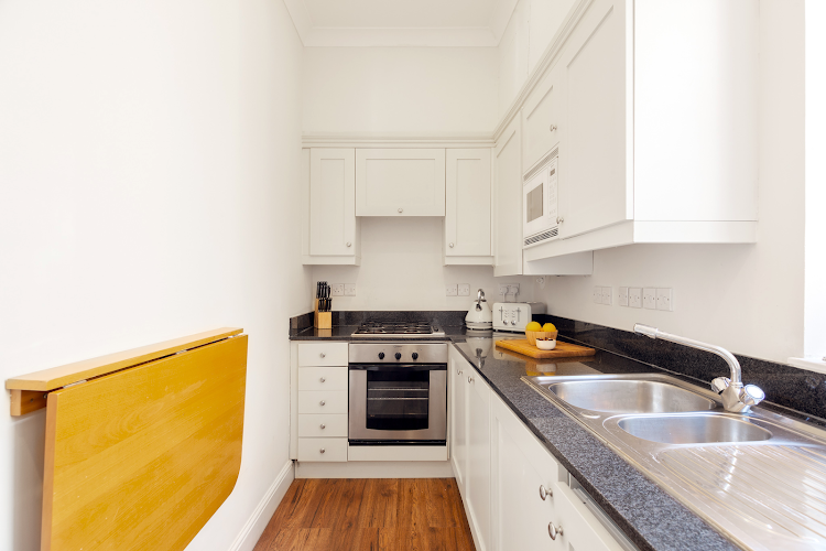 Full kitchen at Creechurch Lane Apartments, Aldgate