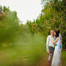 Wedding photographer Evgeniya Lapinskaya (Leo23). Photo of 28.08.2014